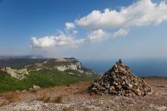 верхняя часть горы пирамиды из камней Стоковое Изображение RF