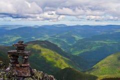 верхняя часть горы inukshuk Стоковое Изображение RF