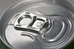 Верхняя часть закрытой тяги кольца алюминиевой чонсервной банкы Стоковое Фото
