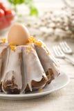 верхняя часть замороженности пасхального яйца торта Стоковое Изображение