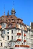 Верхняя часть исторического здания в Люцерне, Швейцарии Стоковое Изображение RF