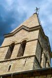 Верхняя часть колокольни против неба церковь правоверная Черногория Стоковая Фотография RF