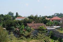 Верхняя часть крыши домов вверх по взгляду Стоковые Изображения RF