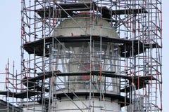 Верхняя часть маяка в реновации стоковое фото