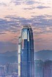 Верхняя часть небоскреба к ноча Стоковое Изображение RF
