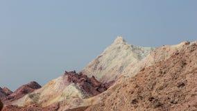 Верхняя часть покрашенной горы пустыни Стоковые Изображения RF