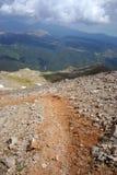 верхняя часть путя горы Стоковые Изображения RF
