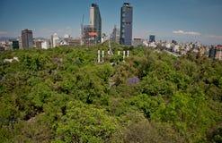 Верхняя часть современной архитектуры, парков и здания в центре Мехико Стоковое фото RF