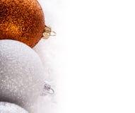 Верхняя часть шариков рождества взгляда пестротканых Стоковая Фотография RF