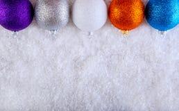 Верхняя часть шариков рождества взгляда пестротканых Стоковая Фотография