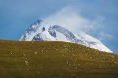 Верхняя часть kazbeg горы Стоковое Изображение