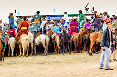 Верхом зрители, скачки Nadaam, Монголия Стоковые Фото