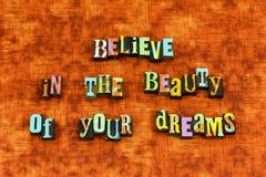 Верьте letterpress любов оптимизма мечт красоты стоковая фотография