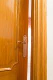 дверь открытая Стоковые Изображения