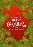Веселое рождество и С Новым Годом! текст с предпосылкой карты ветви ели красной стоковые изображения rf