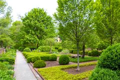 Весеннее время, ландшафт официально сада в парке Стоковая Фотография