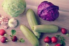 Весенний овощ установил - все головы капусты, цукини, редиски Стоковое Изображение