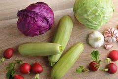 Весенний овощ установил - все головы капусты, цукини, редиски Стоковое Изображение RF
