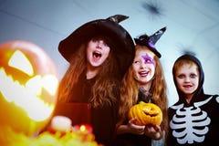 Веселые дети хеллоуина Стоковая Фотография