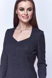 Весна дамы женщины белой студии предпосылки красивая Стоковое фото RF