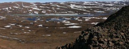 Весна в тундре (панорама северного Сибиря) стоковое изображение rf