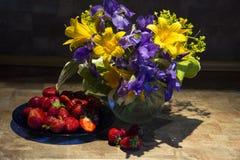 весна иллюстрации букета предпосылки декоративная Стоковое Изображение RF