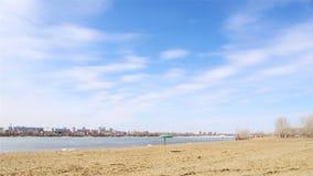 Весна на реке Иртыше собор omsk правоверная Россия uspensky Стоковые Изображения