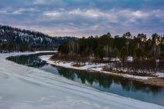 Весна на реке. Стоковые Фотографии RF