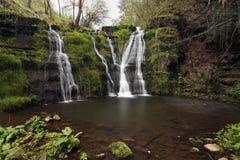 Весна приходит - весенние водопады стоковое изображение rf