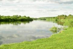 весна реки ландшафта Стоковое Фото