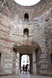 Вестибюль дворца Diocletian, разделения стоковая фотография rf