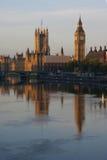 Вестминстер и Темза Стоковая Фотография
