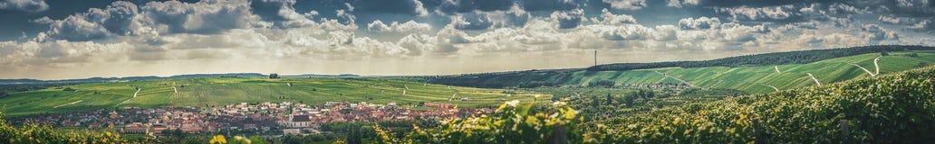 Весьма взгляд ландшафта панорамы на красивый ландшафт  стоковая фотография rf