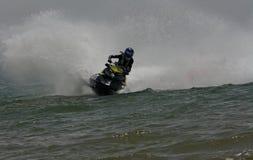 Весьма гонки двигател-лыжи Стоковое Фото