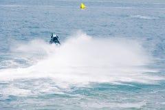 Весьма конкурент спортсмена на шлюпке shi двигателя Стоковая Фотография