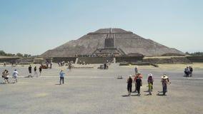 Весьма рискованное предприятие майяской пирамиды солнца, древнего города около Мехико каникулы праздника в Мексике 4K видеоматериал