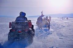 весьма спорт Гонка зимы на мотоциклах и ATVs стоковая фотография rf
