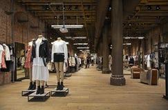 Весь магазин Святых в Бродвей, Манхаттане Стоковое фото RF