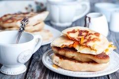 Весь пирог тыквы с чаем Стоковые Изображения RF