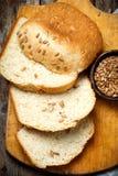 Весь хлеб овсяной каши меда солнцецвета пшеницы Стиль деревенский Стоковое Изображение RF