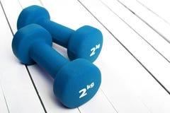Вес гантелей цвета для фитнеса Стоковое Фото