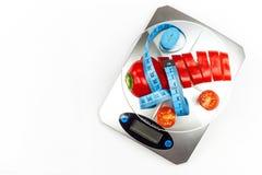 Вес кухни с прерванным перцем Диетическая часть овощей диетпитание строгое Стоковое Изображение