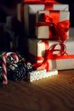 Ветви подарка рождества конуса сосны забавляются Стоковая Фотография