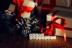 Ветви подарка рождества конуса сосны забавляются Стоковое Изображение