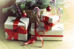Ветви рождества конуса сосны Стоковое Изображение