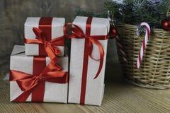 Ветви рождества конуса сосны Стоковая Фотография RF
