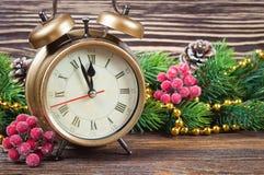 Ветви часов и ели рождества Стоковое Фото