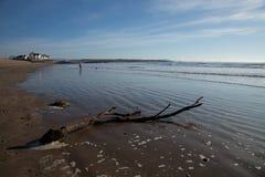 Ветвь пляжа Rhosneigr. Стоковые Фотографии RF