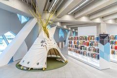 Ветвь публичной библиотеки Калгари центральная стоковые фото