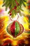 Ветвь рождественской елки с орнаментом Стоковые Фото